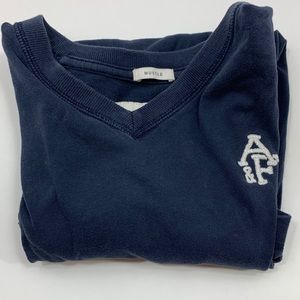 Abercrombie & Fitch V-neck